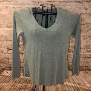 Gray long sleeve t-shirt size M